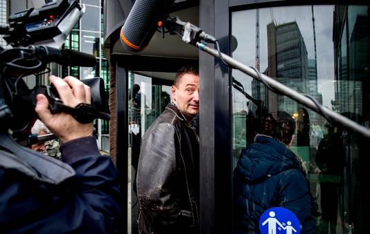 Arrold van den Hurk komt in 2016 aan bij de rechtbank.