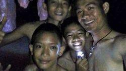 Twaalf Thaise voetballertjes hebben nóg mirakel nodig: redding wordt waanzin