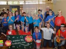 Leerlingen De Regenboog en Klimop in Lang Leve de Muziek Show