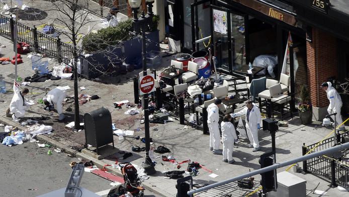 Politieonderzoek op de plek waar de explosies gisteren plaatsvonden.
