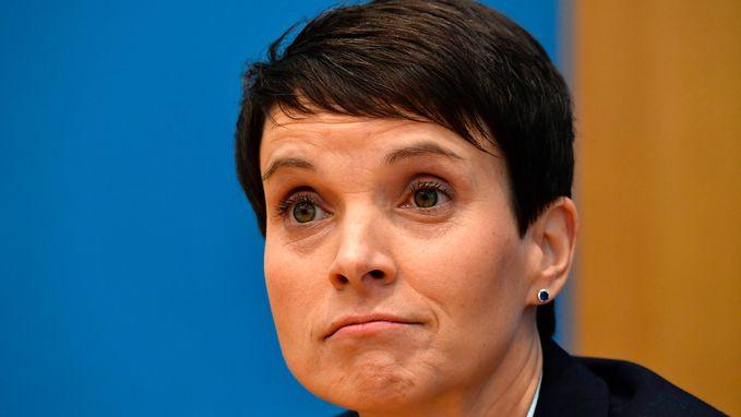Co-voorzitter Frauke Petry wil geen deel uitmaken van AfD-fractie in parlement