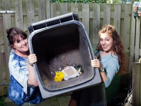 Protest tegen hogere kosten houden start nieuwe inzamelen afval niet tegen