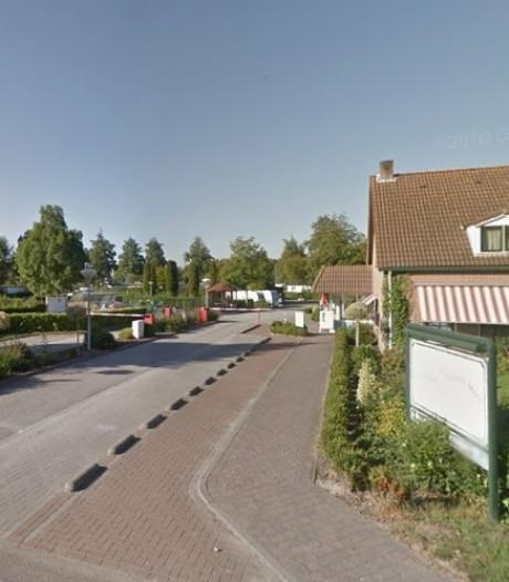 Eigenaar camping Wolphaartsdijk baalt: 'Wij krijgen de shit voor de buurman over ons heen'