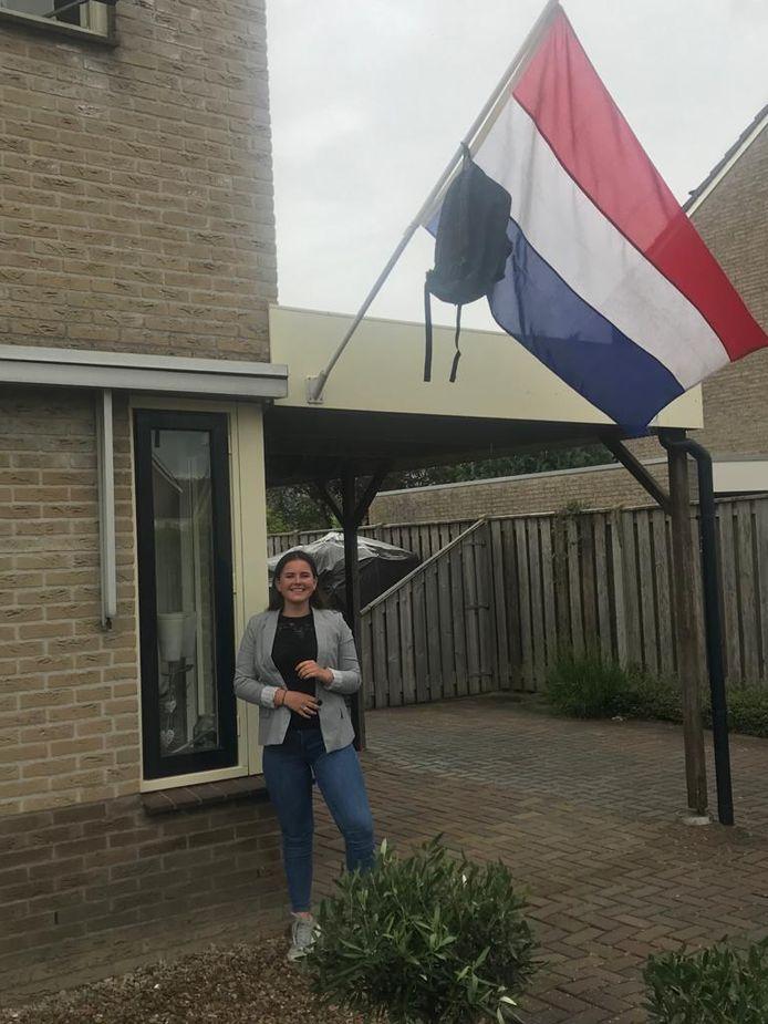 Nienke de Heer mag binnenkort haar vmbo tl-diploma op de Bonifatiusmavo in Emmeloord ophalen. Na de zomer studeert ze evenementenorganisatie op de Friese Poort in Emmeloord.