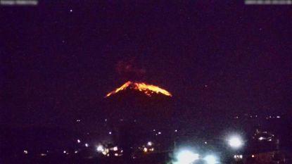 Vliegverkeer verstoord na vulkaanuitbarsting op Bali