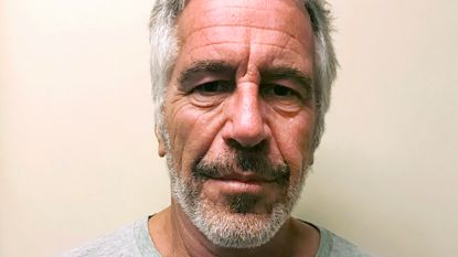 """Epstein is volgens een patholoog vermoord: """"Geen zelfmoord, wel gewurgd"""""""