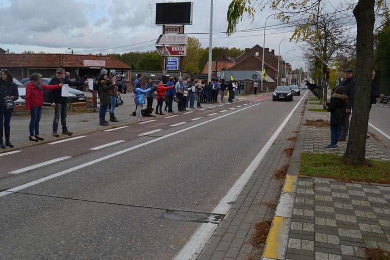 De actievoerders palmden de Grote Steenweg in.