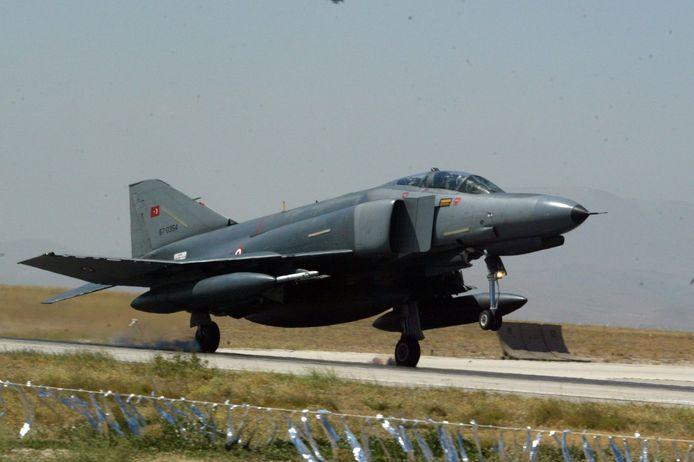 De F-4 Phantom.