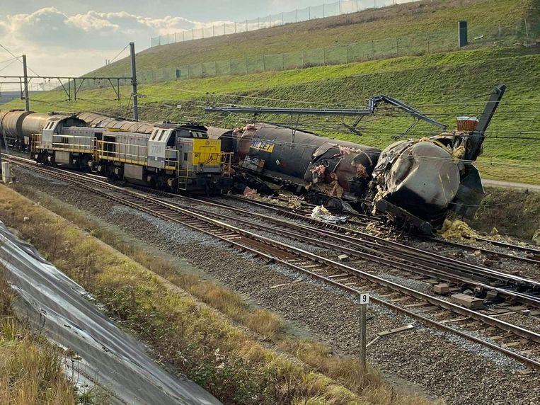 De botsing gebeurde op een goederenspoorlijn nabij de Liefkenshoekspoortunnel, een belangrijke cargoverbinding voor de haven van Antwerpen.