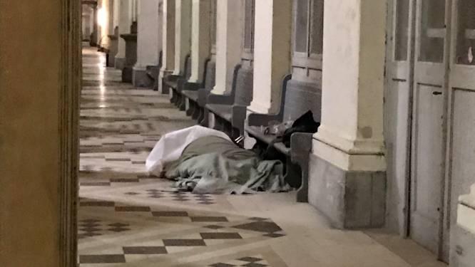 Daklozen kunnen overdag terecht in tijdelijke opvang nu veel ontmoetingsplaatsen gesloten zijn