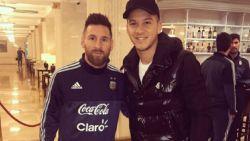 Oeps! Lionel Messi loopt een blauwtje en moet zich verontschuldigen bij 'fan'