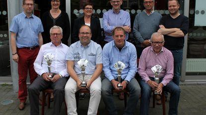 Biljartclub Warden Oom viert kampioenen