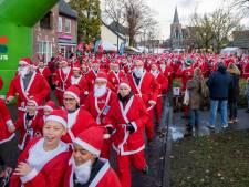 Zeshonderd kerstmannen renden door Bennekom voor het goede doel