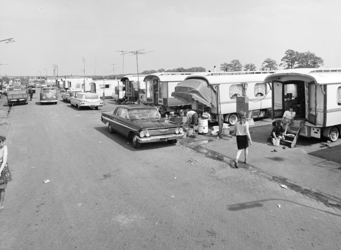 Het woonwagenkamp Vorstengrafdonk in Oss, in 1968.