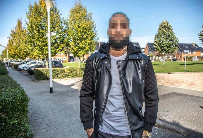 Michael C. na de in scene gezette aanslag op zijn leven in de Zwolse wijk Stadshagen.