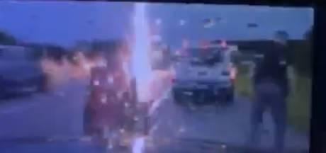Un policier proche d'être foudroyé sur une autoroute