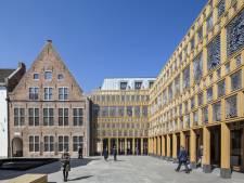 Stadhuis Deventer schittert in eindexamen tekenen: 'Mooi voor de stad'