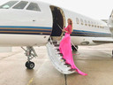 Carolien ter Linden stapte dinsdag in een privévliegtuig voor vertrek naar Cannes.