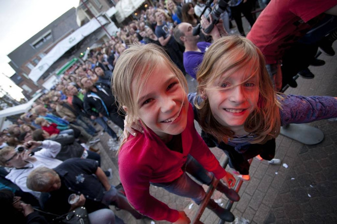 Deze dames staan op de eerste rij bij het concert van Sleeve op Randrock. Foto: Mark Troost