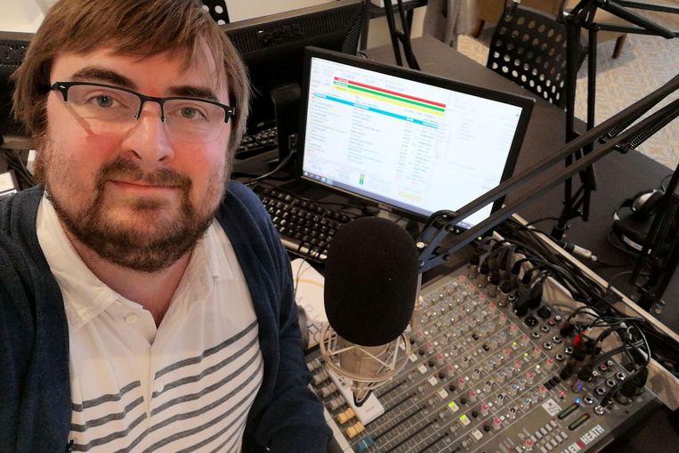 Hoofdredacteur Ralph Ilanio krijgt de garantie dat Radio Lede volledig onafhankelijk mag verder werken.