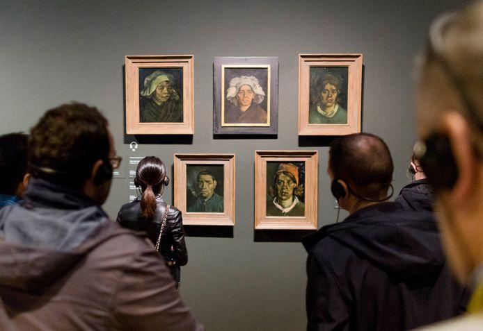 Kunstwerken van Vincent van Gogh in het Amsterdamse Van Gogh-museum.