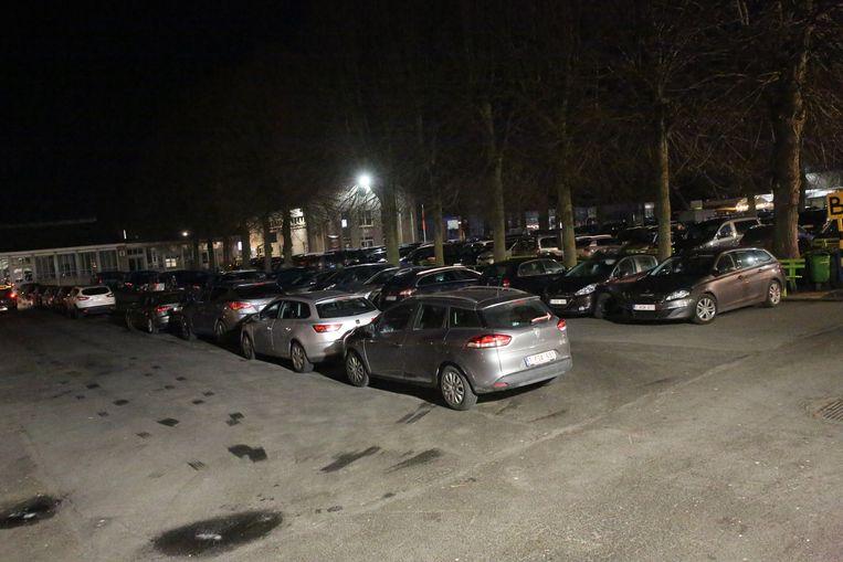 De parking van de Pensenkermis was zaterdagavond omstreeks 19 uur al meteen even volzet.