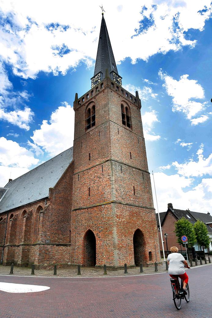 De Nederlands hervormde kerk, die stamt uit de eerste helft van de 14de eeuw.