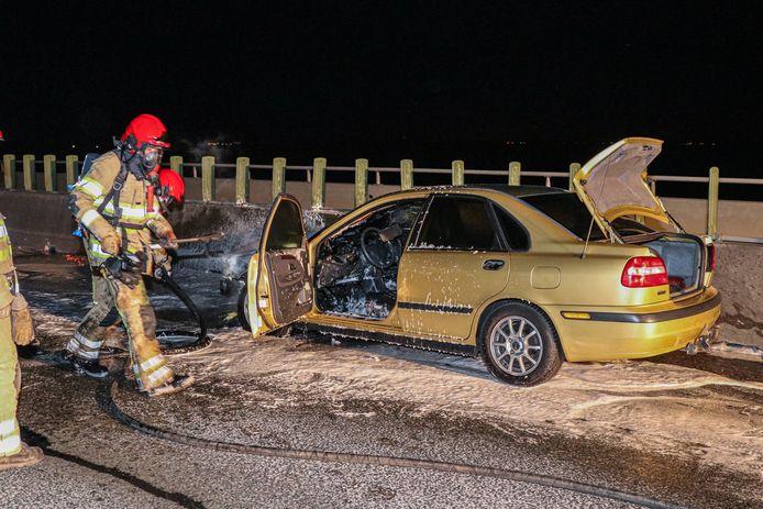 Op vrijdagavond ontstond er een brand in een personenauto op de A6 tussen Lelystad en Emmeloord.