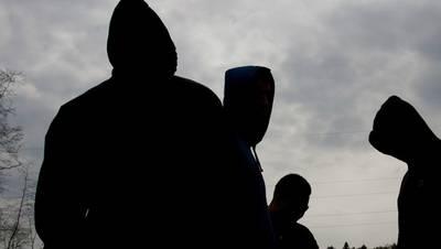 Grote groep baldadige tieners opgepakt in Etten-Leur, onder wie 15-jarig meisje