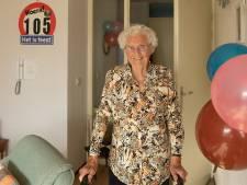 Jaan Hartog, oudste inwoonster van Baarn, mag 105 kaarsjes uitblazen: 'In mijn hoofd nog helemaal goed'