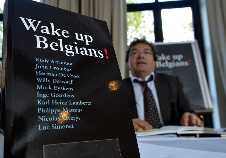 Onder meer Rudy Aernoudt schreef mee aan Wake up Belgians!