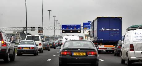 A2 dicht tussen Zaltbommel en Waardenburg richting Utrecht na ongeluk met vrachtwagen