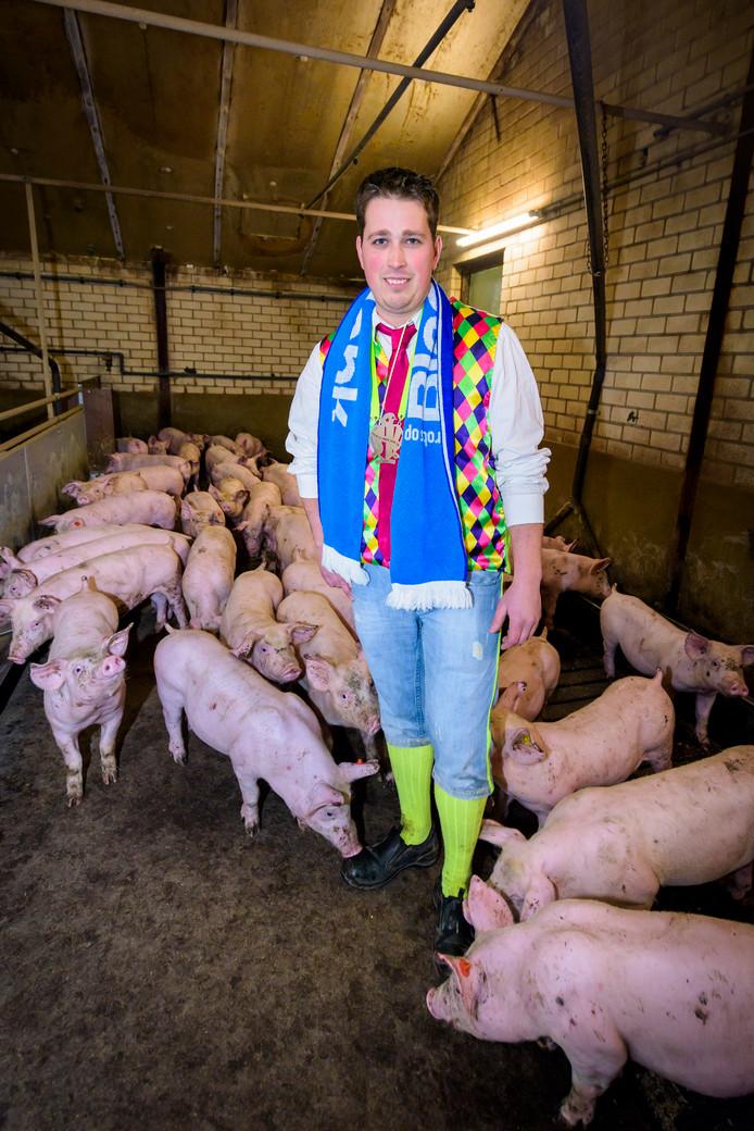 HEEZE - Jonge boer Johan Bakermans maakte een statement op Facebook: zonder boeren geen carnaval.