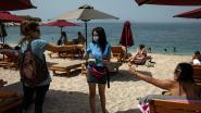 """Griekenland heropent honderden stranden: """"Eindelijk ontspannen na zo lang binnen gezeten te hebben"""""""