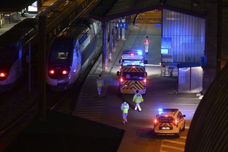 Een speciale TGV is met twintig coronapatiënten onderweg van het zwaar door het virus getroffen noordoosten naar het westen van Frankrijk.