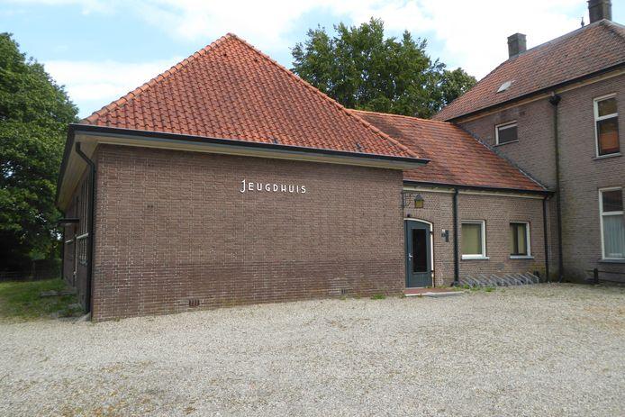 Het Jeugdhuis aan de Beekbergerweg in Loenen.