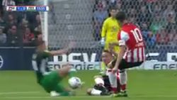 PSV verslaat Feyenoord in boeiende topper, Berghuis pakt rood na doldwaze tackle
