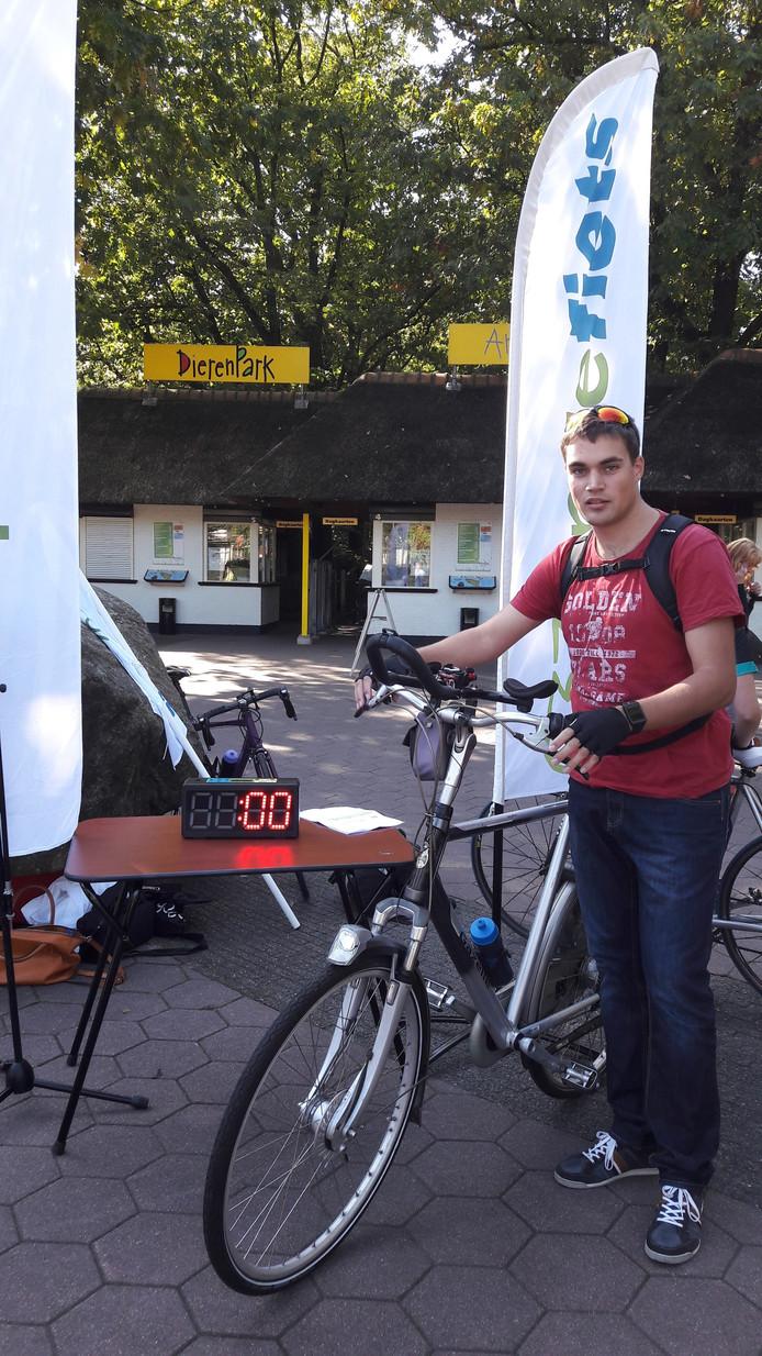Minne Modderma (28) staat gereed voor de tweede etappe.
