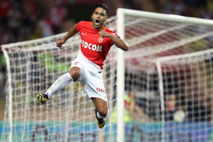 Radamel Falcao viert zijn tweede treffer tegen Olympique Marseille op 27 augustus.