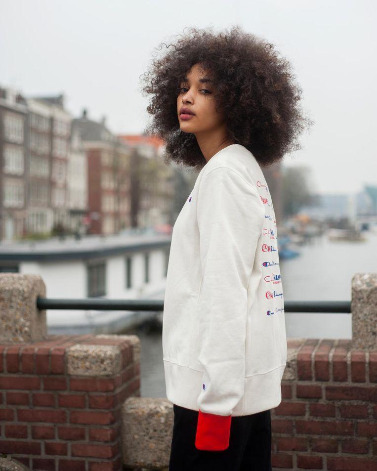 Rimona in de campagne 'kampioenen van Amsterdam'. Beeld Dennis Branko