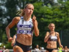 Eva Hovenkamp naast podium op 400 meter