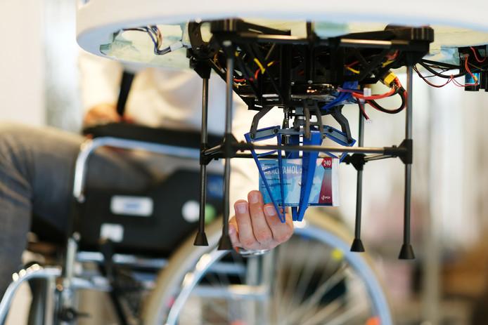 Studententeam van de TU/e presenteert Blue Jay drone in Maxima Medisch Centrum Veldhoven. Foto: Bram Saeys