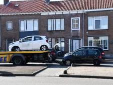 Dronken bestuurder knalt op geparkeerde auto in Vlissingen en probeert te vluchten