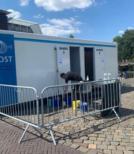 Toiletunits in Zwolse binnenstad voor terrasgast met hoge nood