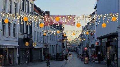 Bijna zomer, maar Kortrijk koopt kerstlichtjes