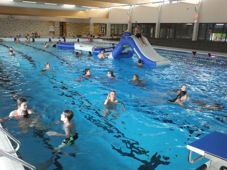 Het nieuwe zwembad opende afgelopen zomer de deuren en lokte meteen veel zwemmers.