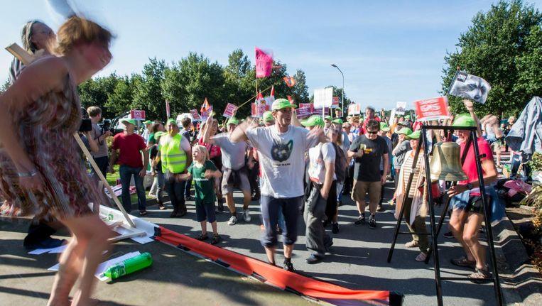 Groningers demonstreerden vorig jaar bij het hoofdkantoor van de NAM. Beeld anp