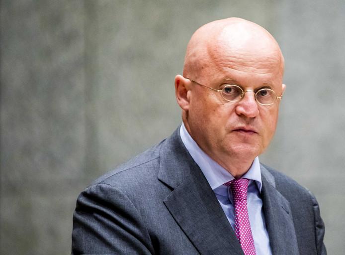 Ferdinand Grapperhaus, minister van Justitie en Veiligheid, tijdens het wekenlijkse vragenuurtje in de Tweede Kamer.