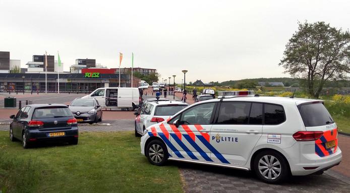 Bij een plofkraak in 2017 bij een geldautomaat van de Rabobank is flinke schade ontstaan aan een supermarkt. Volgens de politie zijn er mogelijk explosieven gebruikt om de geldautomaat op te blazen.