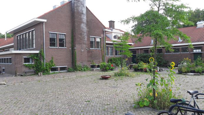 Infanteriestraat in wijk Saksen Weimar. Pleintje moet parkeerplek worden, tot ongenoegen van omwonenden.